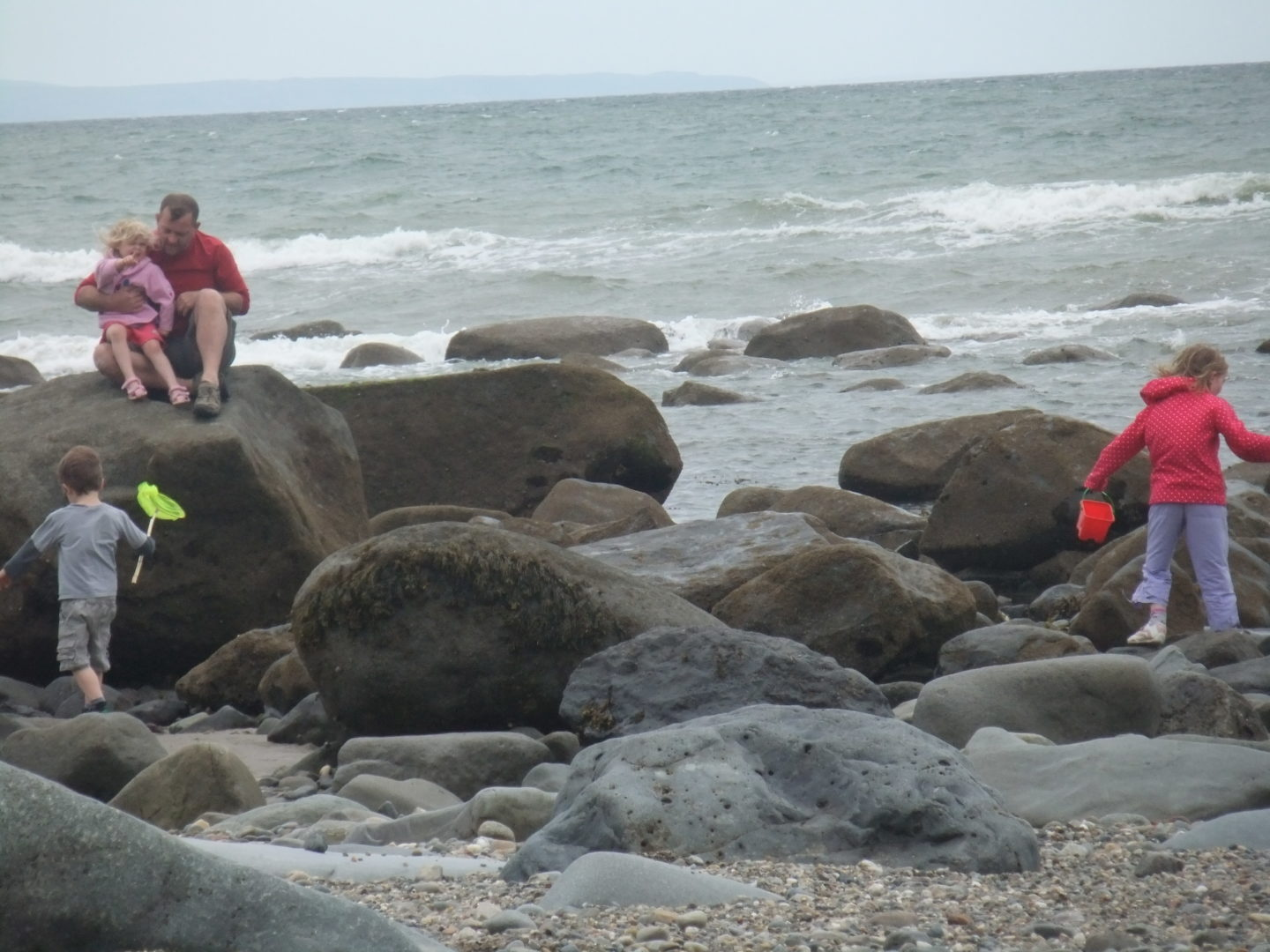 You can go rockpooling at any time of the day, this was at 6pm in the evening