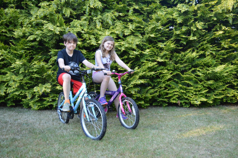 Kaide and Eowyn on Kids Mountain Bikes