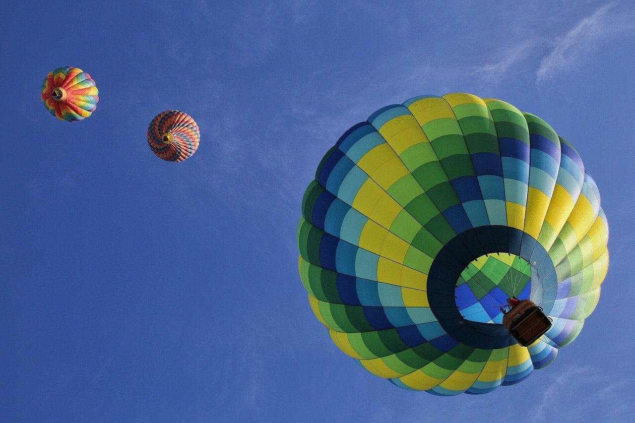 frequent travellers hot air balloons