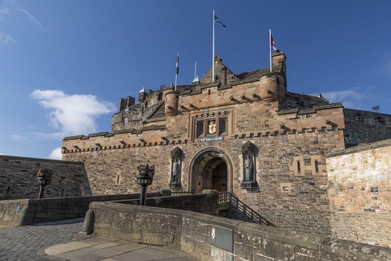 Things To Do In Edinburgh with kids - Edinburgh Castle
