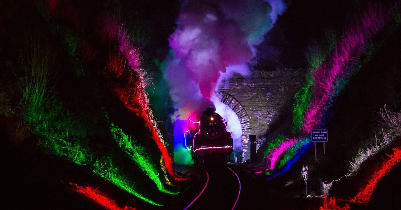 Santa Train - Dartmouth Christmas Train of Lights